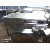 Продам стол б/у из нержавеющей стали на колесиках с выдвижными ящиками