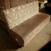 Диван б/у ткань коричневый с узором