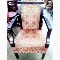 Кресла б/у деревянные узорчатой обивкой