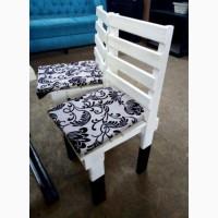 Стулья б/у сосна белые с мягкими подушками, столы, лавки