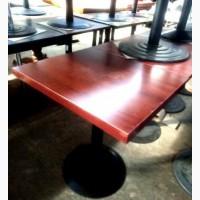 Столы б/у ДСП на металлической ноге цвета махагон