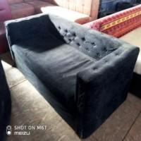 Продам диван велюровый черный б/у