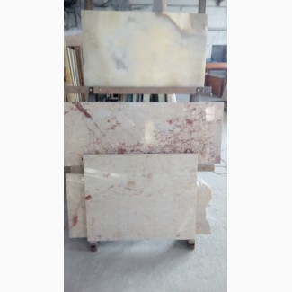 Мрамор делающий богатым. Слэбы и плитка на складе. Необыкновенные расцветки.Хороший выбор